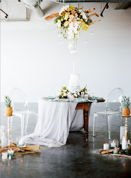 Tropical themed table scape