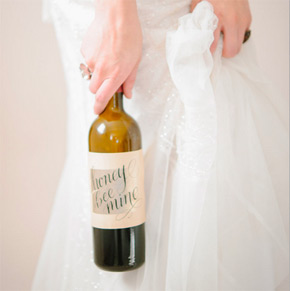 custom calligraphed wine label | Taryn Eklund Ink | Carrie King Photography